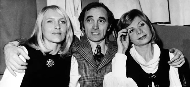Шарль Азнавур с женой и дочерью