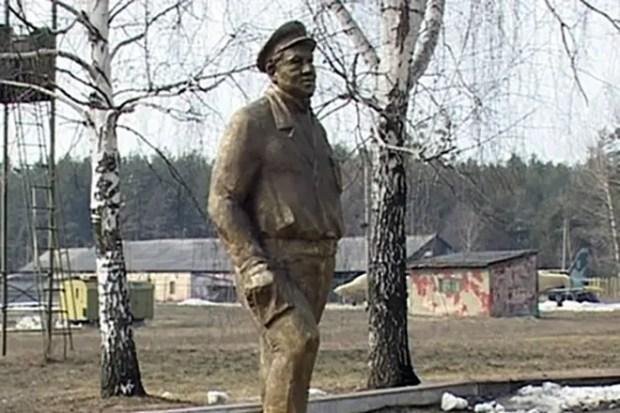 Памятник Алексею Смирнову в Харькове
