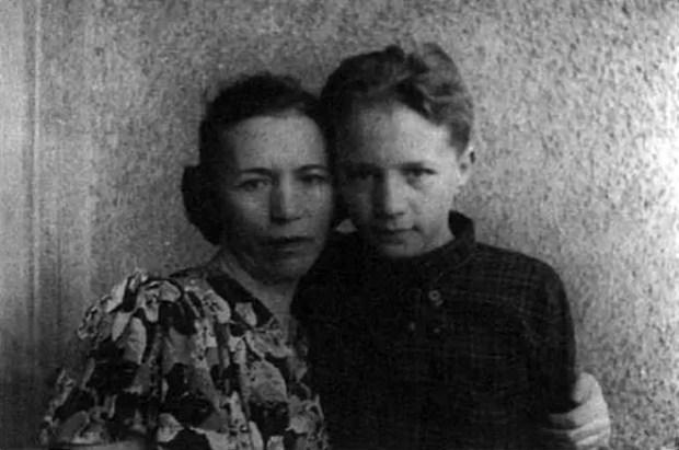 Эдуард Успенский в детстве