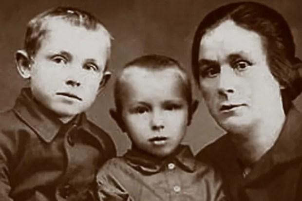 Иннокентий Смоктуновский в детстве