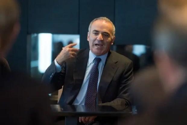 Гарри Каспаров активно участвовать в политических процессах