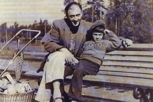 Михаил Боярский в детстве с отцом