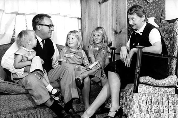 Рэй Брэдбери с семьей