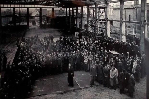 Оскар Шиндлер на заводе
