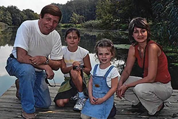 Вадим Мулерман с детьми и женой Светланой