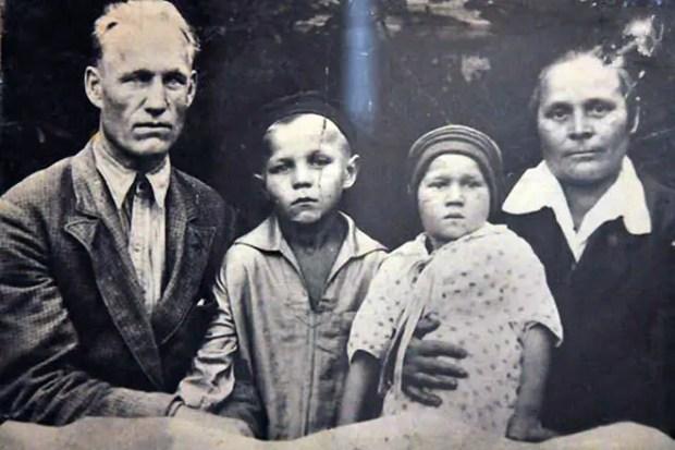 Михаил Ульянов в детстве