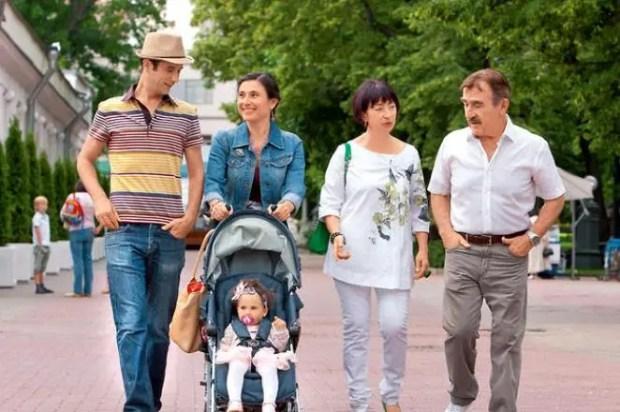 Леонид Каневский с женой, дочкой, зятем и внучкой