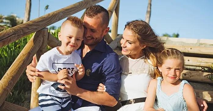 Федор Кудряшов с женой и детьми
