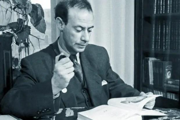 Писатель Лев Кассиль