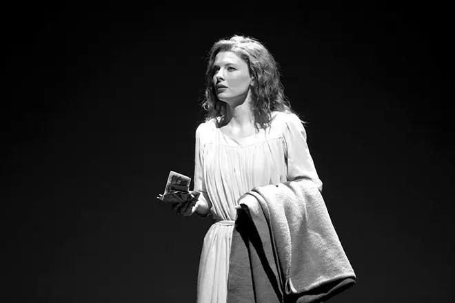 Эмилия Спивак на сцене