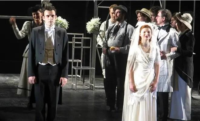 Эмилия Спивак на сцене театра на Фонтанке