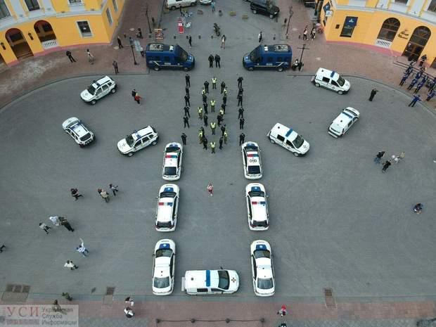День вишиванки Одеса вишиванка поліція