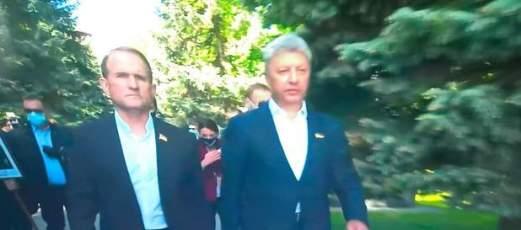 Медвечук і Бойко пройшлися Алеєю Слави