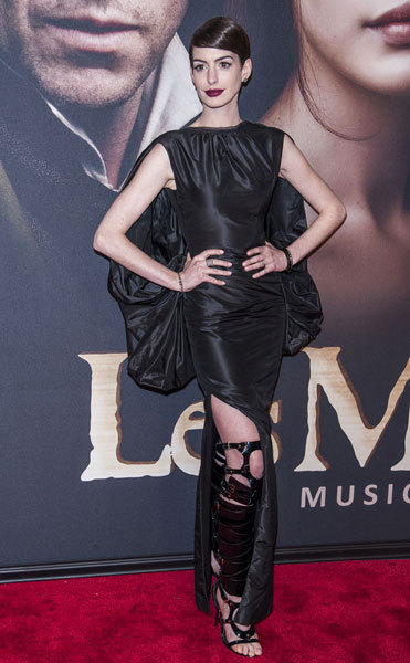 Anne Hathaway in a Goth-inspired Gown