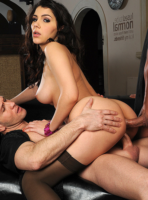 DP Fanatics: Valentina Nappi gets penetrated in ass and pussy