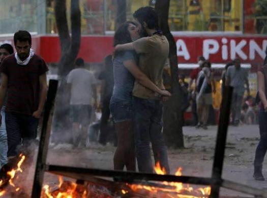 Kissing in Taksim Square