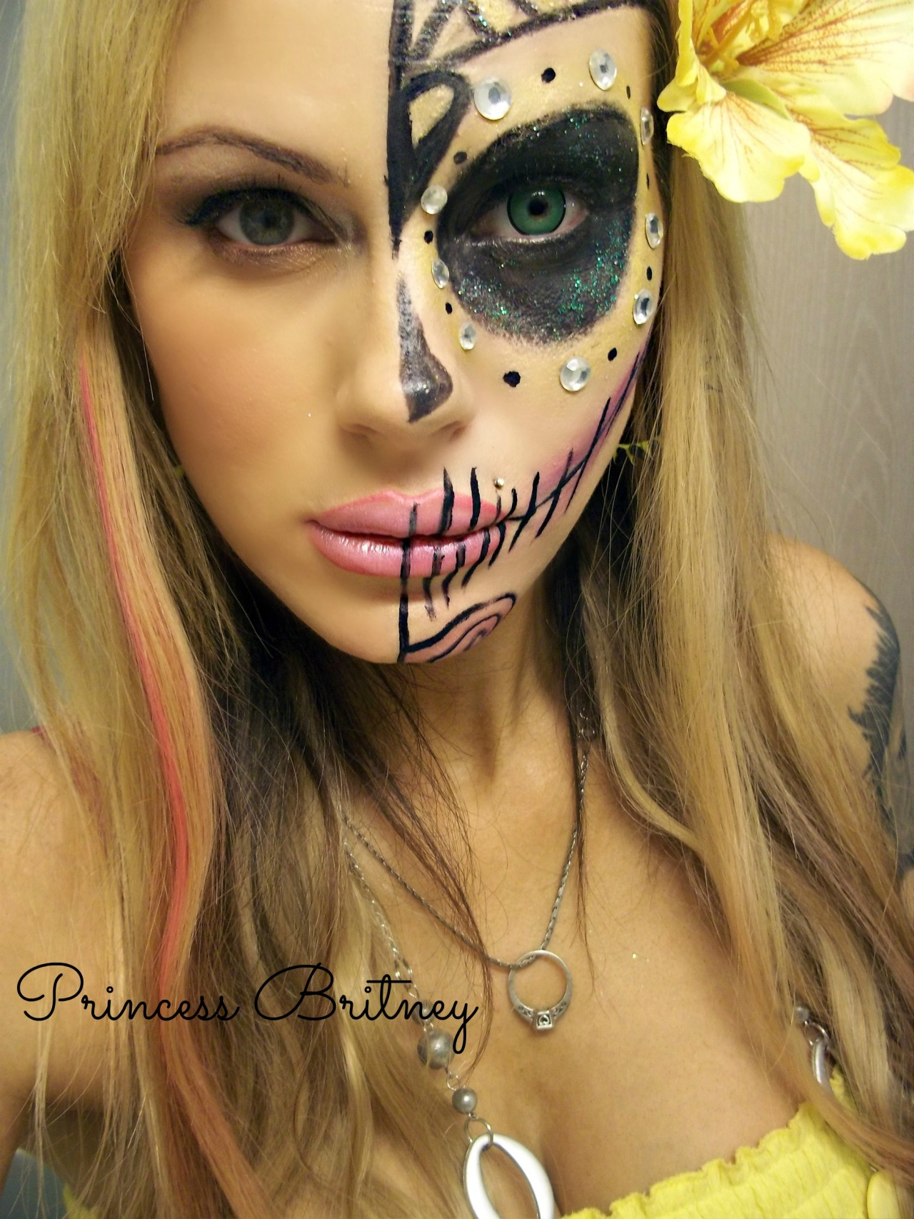 Mygirlfund's Pr1ncessBritney is a living sugar skull. Incredible makeup, incredible photo!