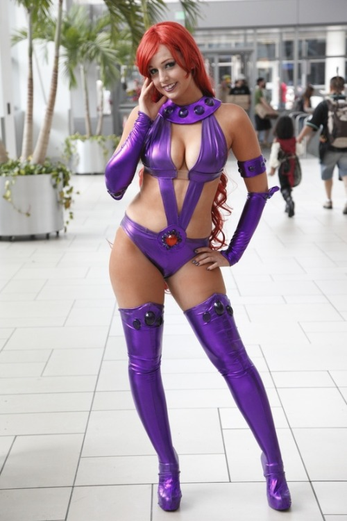 gailsimone:thatdjspider:cosplay-and-costumes:Starfire cosplayStarfire is a hard outfit to pull off, as the comics don't really allow for the practical, real-life applications of gravity and friction.  But I like the choices this cosplayer made in the construction very much!Well, wow!It makes me happy that you like my costume ;o; Thank yoooou