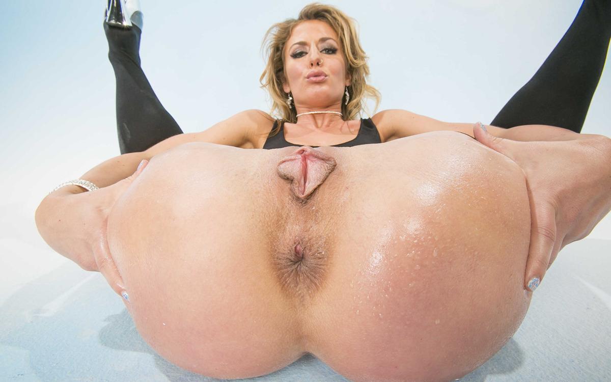 Sexy nude ass beading on big cock on horny closeups 1