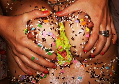 Sexo para parejas - juego con sprinkles
