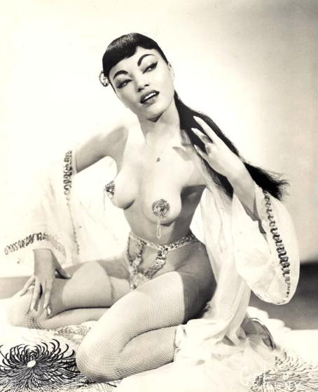 Vintage Burlesque Performer