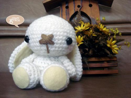 white bunny amigurumi