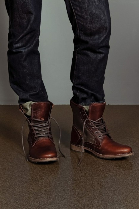i love it when guys have their pants tucked in their boots