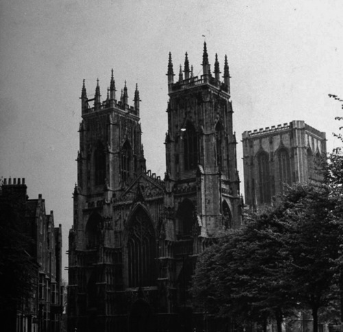 fuckyeahgothiccathedrals:</p> <p>York Minster, England(1220-1472)</p> <p>I LOVE GOTHIC BUILDINGS.<br /> DARK AND FOREBODING.<br /> WHERE PEOPLE DISAPPEAR.<br /> DARK SHADOWS FOLLOWING YOU<br /> DOWN CREEPY CORRIDORS.<br /> TIME TO WRITE ANOTHER STORY.