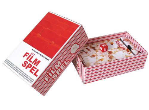 """Fram till 23.59 inatt på www.bamarang.se kan du köpa Nicogames brädspel till riktigt bra pris! Vi ville prata närmare med grundarna bakom Nicogame vars fina, alldeles särskilda spel """"Fia med puss"""" och """"Filmspelet"""" har gjort oss lite förälskade i deras unika spelboxar och roliga teman. - Hur kom ni på tanken att börja tillverka och sälja just spel?  Med utgångspunkt i humor och roliga saker så har spel ju alltid legat oss varmt om hjärtat. Spelbranschen var ju också lite sömnig och designen ska vi inte ens tala om… Vi ville helt enkelt bidra med något nytt, innovativt och roligt. Våra spel är både underhållande, snygga och lätta att ta med till festen eller ge som present.  - I dagens app-täta och datorspelifierade samhälle, hur står sig brädspelen på marknaden?  Med tanke på att vi ständigt är uppkopplade och alltid har något elektroniskt i handen, tycker vi att man någon gång då och då ska sitta ner med sin vänner och ha roligt tillsammans in real life. Det släpps ju mängder av nya appar och digitala spel, men ett brädspel går aldrig ur tiden. Det kan man alltid ta upp igen. För vad är inte mer härligt än att hitta ett gammalt bortglömt spel i någon låda när du är ute på landet? Appar har dock hjälpt till att öka intresset för de traditionella spelen. Snarare än att de på något sätt skulle ersätta brädspelen. - Hur skulle ni vilja att kunderna använder era produkter? Har ni något drömscenario?  Att få folk att umgås mer och att locka fram skratt. Stunder man kan komma ihåg och berätta för andra, det måste ändå vara det ultimata scenariot! Vi siktar alltid på att roa och underhålla ung som äldre som gammal med våra spel. - Hur går ni tillväga när ni skapar era fina förpackningar?  Oftast börjar varje spel med ett tema eller en grundidé som vi sedan i grupp jobbar fram till en mer konkret idé. Vi gör det mesta själva, Gustaf Wollin som egentligen är utbildad industridesigner, får ofta stå för designen. Inspirationen kommer från många håll, men en stor inspirationskäl"""