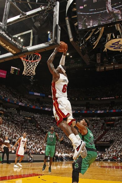 The Miami Heat defeat the Boston Celtics 93-79! LeBron James with 32 Points, 13 Rebounds, 2 Assist, 1 Steal and 1 Block. Dwyane Wade with 22 Points, 7 Assist, 1 Steal and 2 Blocks. All around great effort from everyone else on the team! Shane Battier with 10 Points, Mario Chalmers with 9 Points and Mike Miller with 8 Points. 11 Blocks! 1-0. 7 MORE WINS LEFT… LET'S GO HEAT!!!!!!