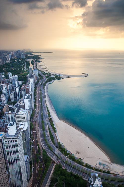 kari-shma:  Lake Shore Drive - Chicago (by cmozz)