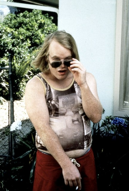 Philip Seymour Hoffman on the set of Boogie Nights