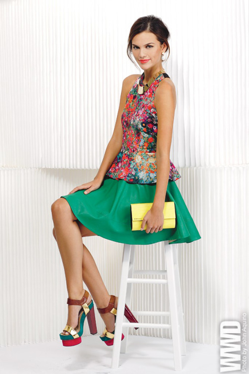 Skies Are Blue's polyester top and polyurethane skirt. BCBG Max Azria's clutch.