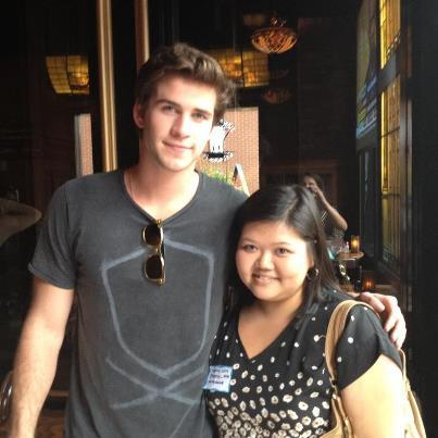So my friend has been taking me around to a lot of social networking events lately to aid in my job search, and we were in Atlantic Station (in Atlanta, GA) yesterday for one of these shindigs.  I walk away from her for one moment and she finds herself a Liam Hemsworth.   My friend: magical celebrity catnip.  Idek.  But yeah, this happened!