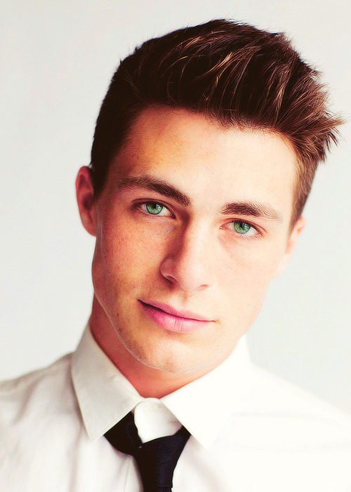 Colton Haynes is freakin perfection. It's not even fair. I swear, all the hot dark haired/sandy blonde guys in books are based on him <3 *swoon*