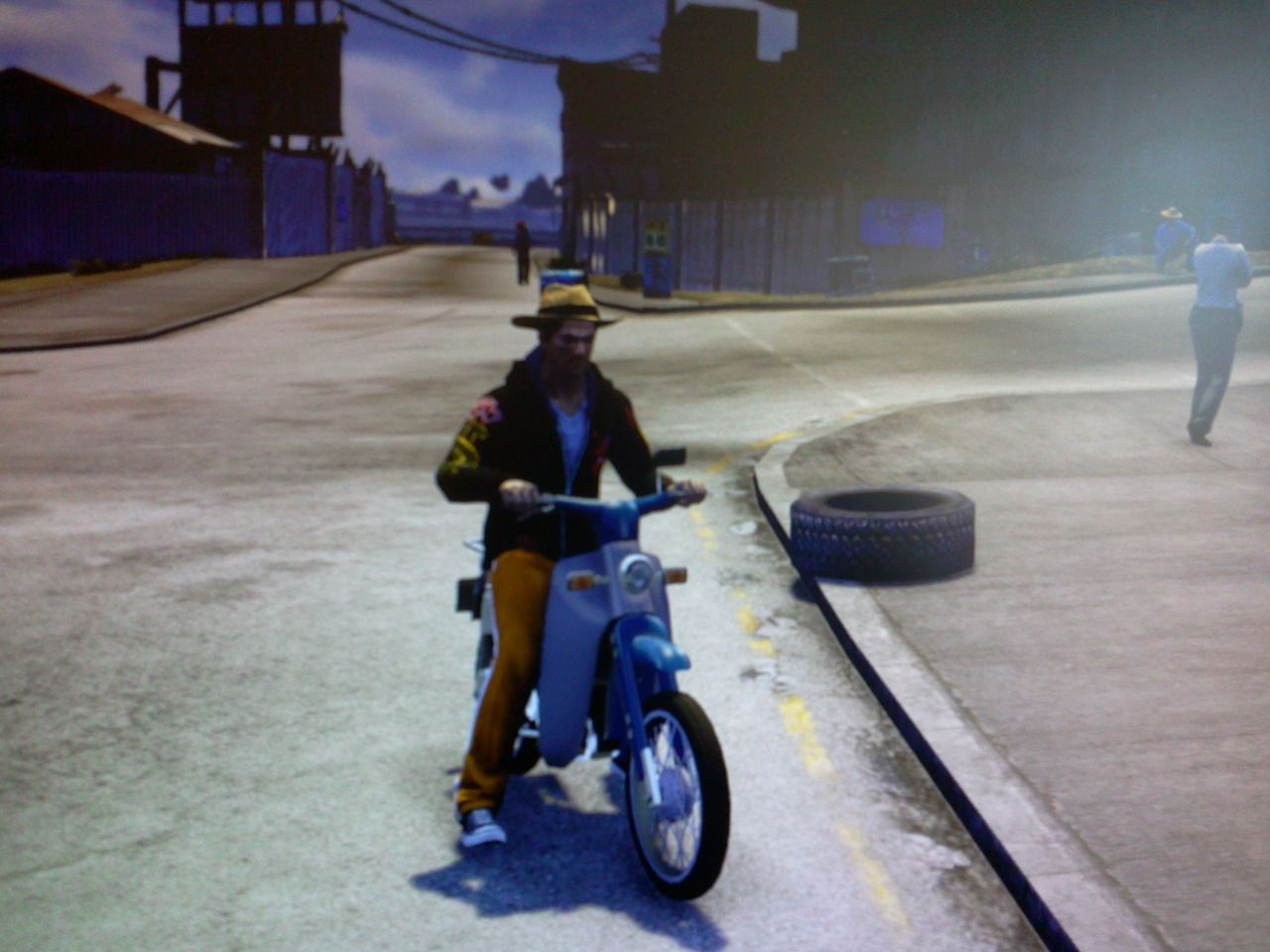 Yes, that is my criminal outfit and coppers loose sight of me each time