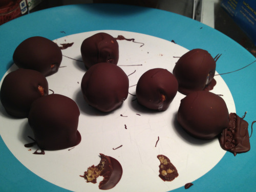 I made these chocolate-covered peanut/almond butter balls for my roommate after Chicago… Then I ate like five at lunch and now I feel vaguely ill. Too much of a good thing… Might have to do another 12 today to redeem myself :P