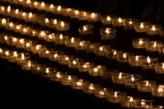 candle-1068945_640