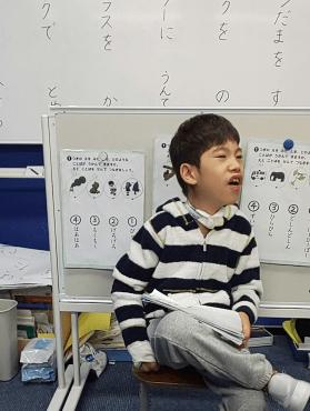 野田聖子の息子の現在は?健常者の小学校に通うも知能障害が残る! | にこスタ