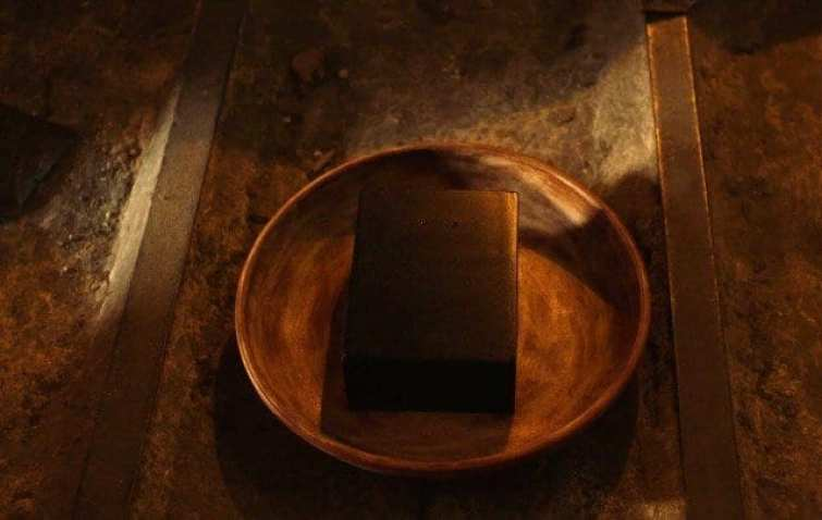 A strange black box in a bowl used for sifting for gold Twin Peaks S3