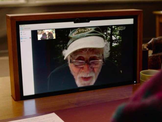 Warren Frost as Doc Hayward on Skype at the Twin Peaks Sheriffs station