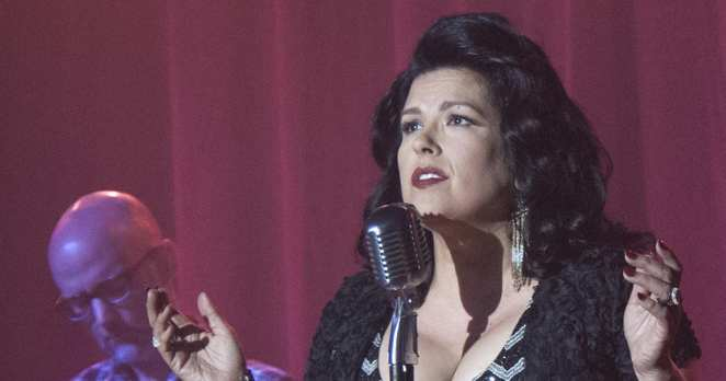 Rebekah Del Rio sings No Stars in Twin Peaks