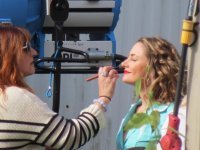 Debbie Zoller with Madchen Amick on set Twin Peaks: The Return