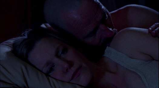 S5E2 Skyler Walt in bed