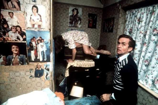 Janet Hodgson allegedly possessed by Bill Wilkins in her home in Enfield 1977