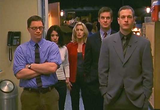 Scene from the finale of SPORTS NIGHT (2000)