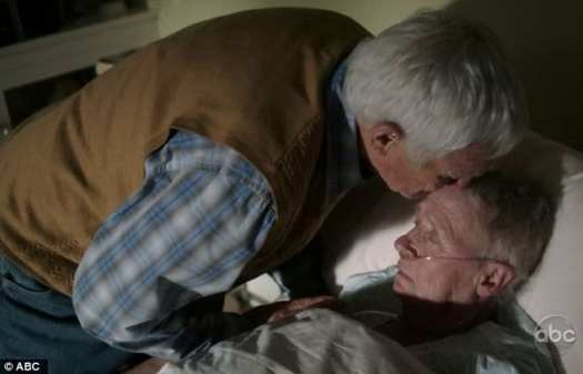 Kathryn Joosten as Karen McCluskey and Orson Bean as Roy Bender in the finale episode of Desperate Housewives