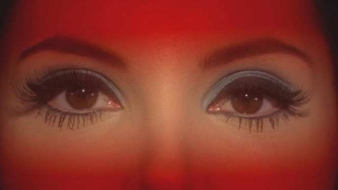 love witch eyes