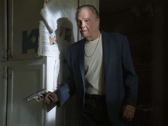 Mickey Donovan played by Jon Voight in S6 Episode 11 of Ray Donovan, Never Gonna Give You Up