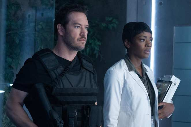Brad Wolgast and Nichole Sykes find themselves trapped in 4B in The Passage Season 1 Finale